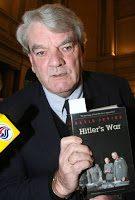 David Irving: sui treni nazisti cibo abbondante per gli ebrei