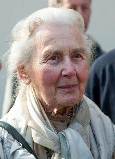 """Ursula Haverbeck """"festeggia"""" i suoi 90 anni in una prigione """"democratica"""""""