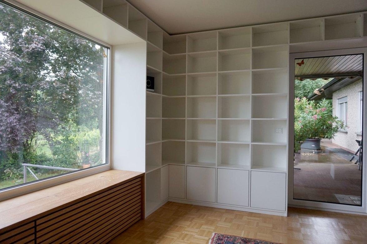 Bibliothek, Fensterbank