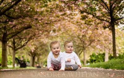 Twins Photo Session in Greenwich Park {London baby, family and children's photographer}