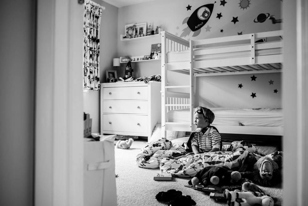 black and white child photography