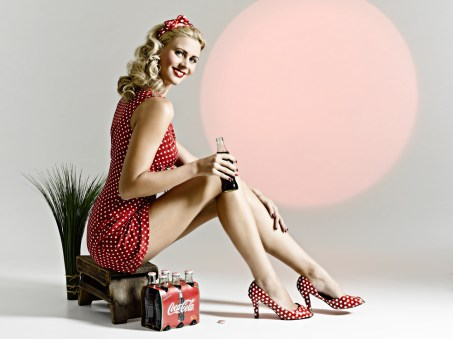 Pin Up Vintage Makeup and Hair