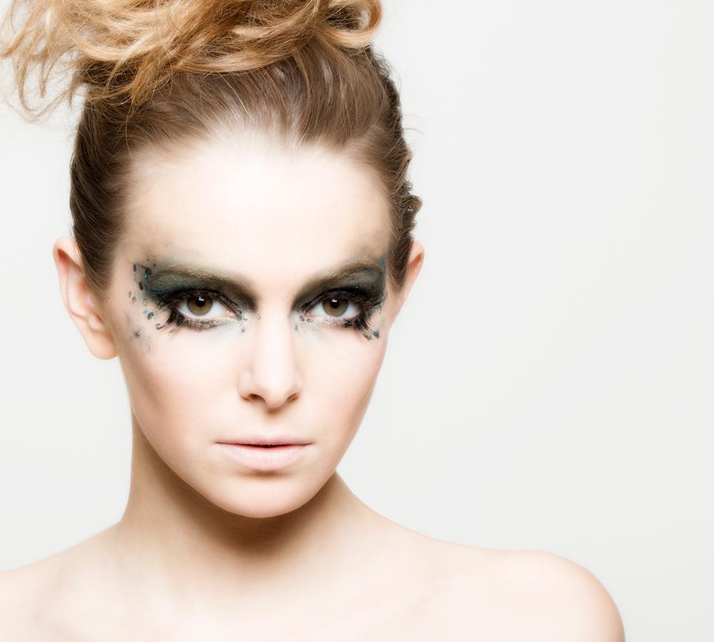 Ausgefallenes Augen Make up