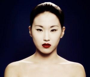 Beauty Make up dunkelrote Lippen