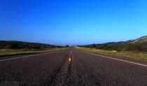 100-мильная разгоночная дорога через пустыню Chihuahuan.