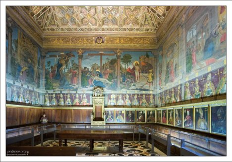 Зал капитула - высшего духовного совета епархии. Catedral Primada Santa María de Toledo.