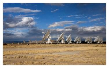 Общая разрешающая способность тарелок эквивалентна антенне диаметром 36 километров.