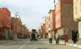 Сквозная улица через Erfoud.