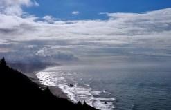Утренний туман над Тихим океаном.