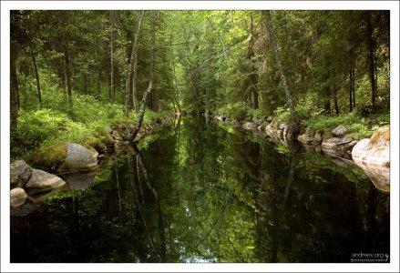 Канал между озерами Средний Перт и Круглое.