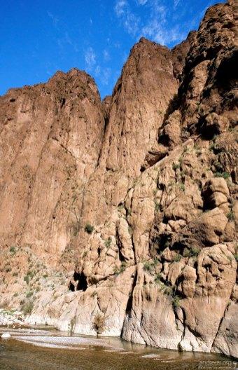 300-метровые стены каньона Todra.