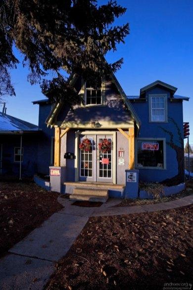 "Кофейня ""Spruce Tree Coffee House"", Cortez."