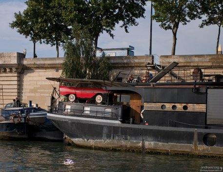 Плавучие дома на Сене.