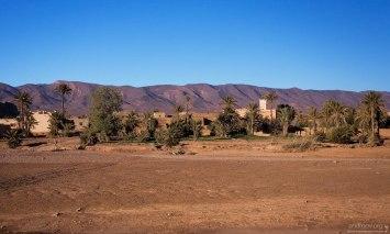 Одна из полусонных деревень на дороге из Agdz в Bou-Azzer. Анти-Атлас.