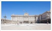 Королевский дворец (исп. Palacio Real de Madrid) - официальная резиденция королей Испании.
