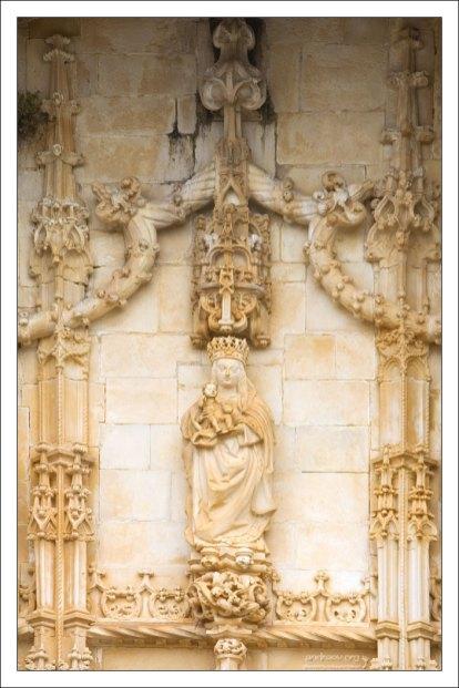 Мануэлинский портал-вход в церковь.