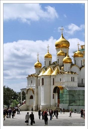 Благовещенский собор Московского Кремля (15-й век).