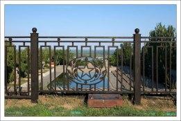 Ограда Площади Героев на Мамаевом кургане.