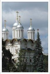 Патриарший дворец и собор Двенадцати апостолов.