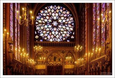 Драгоценная Sainte-Chapelle является третьим по посещаемости монументом города.