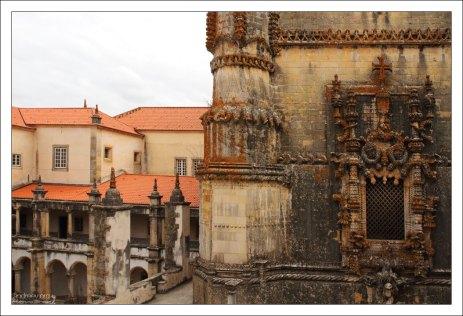 Западный фасад церкви в монастыре Конвенту-де-Кришту.