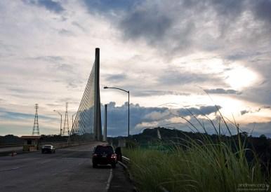 Подвесной мост через Панамский канал.