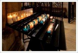 Вотивные свечи в Соборе Руанской Богоматери.