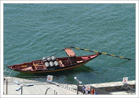 Портвейновая лодка.