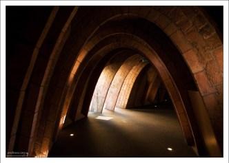 Чердак Ла Педреры состоит из 270 кирпичных арок.