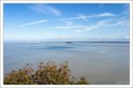 Томбелен (фр. Tombelaine) - маленький приливный остров в нескольких километрах к северу от Mont St. Michel.