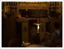 Алтарь в Базилике Девы Марии Монсерратской (исп. Basílica de Mare de Déu de Montserrat).