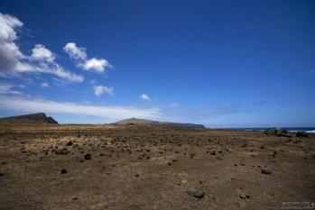 Один из многочисленных пустырей на острове.