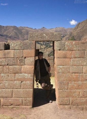 Дверной проём по-инкски. Руины Pisac.