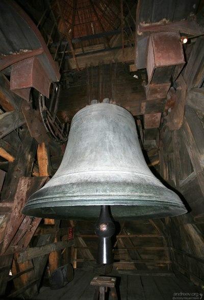 Колокол Эммануэль (Le bourdon Emmanuel), весом 13 тонн. Собор Парижской Богоматери.