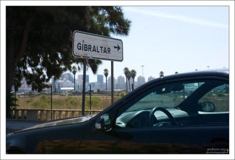 На подъезде к границе между Гибралтаром и Испанией.