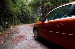 Chevy Cobalt на пути к Tall Trees. Redwood National Park.