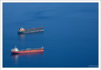 Под «дешёвым флагом» на Гибралтаре зарегистрированы суда зарубежных компаний из 8 стран.