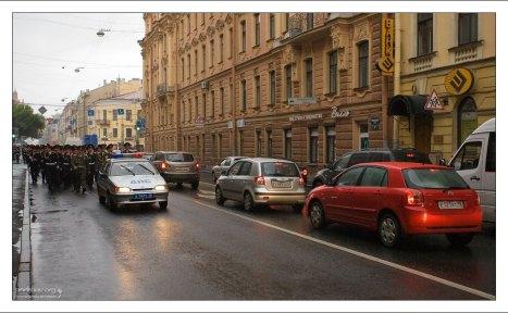 Курсанты на улицах города.