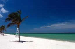 Ослепительный пляж и длинный пирс в Прогрессо.