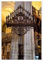 Канделябр на пятнадцать свечей. Севильский собор.