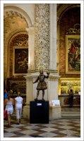 Скульптура короля Фердинанда III Кастильского, выполненная Ролданом (1671). Севильский собор.