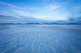 Песок в заповеднике настолько белый, что на фотографиях многие люди принимают его за снег.