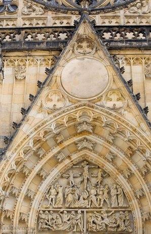 Фрагмент западного фасада собора Св. Вита.