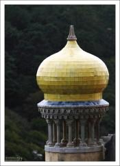 Башенка на крыше Дворца Пена в мавританском стиле.