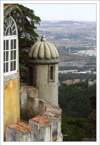 Второй уровень смотровых башенок. Дворец Пена.
