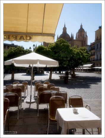 Кафе на площади Plaza Mayor. Сеговия, Испания.