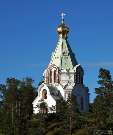 Никольская церковь представляет собой восьмеpик, увенчана шатром с золоченой луковичной главкой, имеет звонницу, которая украшена кокошниками. Внутри она была расписана в 1902-м году.