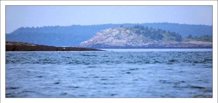 Остров Макиас-Сил и соседний с ним Норт-Рок являются предметом территориального спора между Канадой и США.