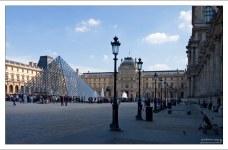 Для пирамиды в Лувре прототипом послужила пирамида Хеопса. Архитектор Йо Минг Пей (1989).
