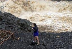 Бурные воды 7-ми священных водопадов.